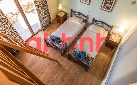 Airbnb - short-term accommodation platform